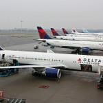 Boeing_767-332ER,_Delta_Air_Lines,_Amsterdam_-_Schiphol_(AMS_-_EHAM)_23.01.10